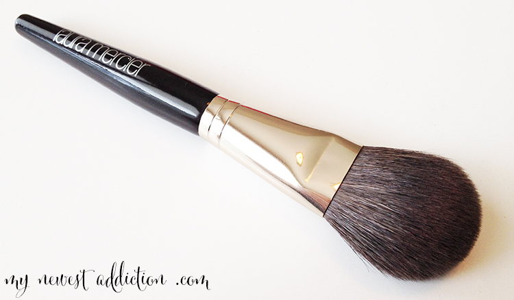 brush laura mercier cheek color
