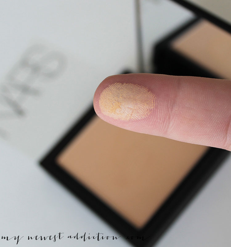 NARS Cosmetics All Day Luminous Powder Foundation swatch