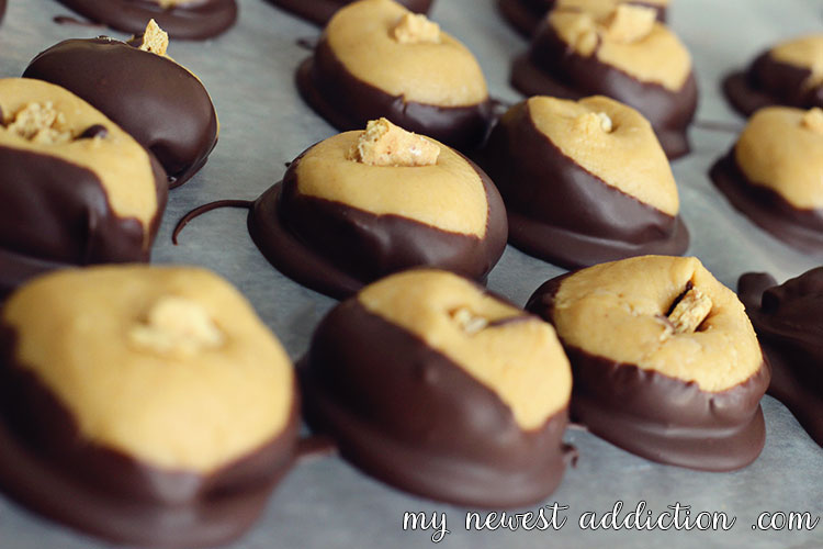 Graham Cracker Peanut Butter Balls with Honey Maid and Skippy Peanut Butter