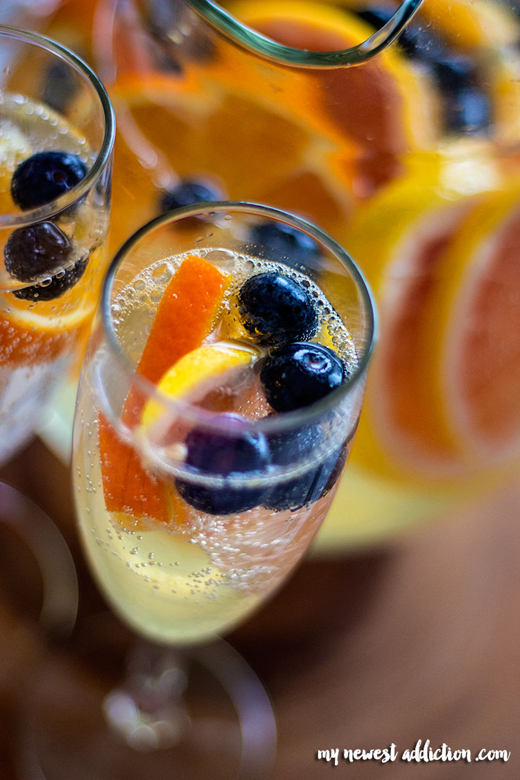 Easy White Wine Sangria Recipe