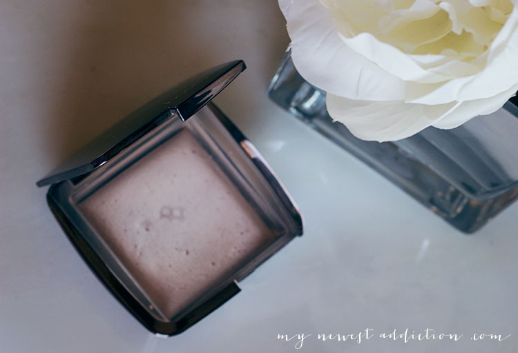 Subtle Luminous Foundation Routine | Hourglass Ambient Lighting Powder in Dim Light