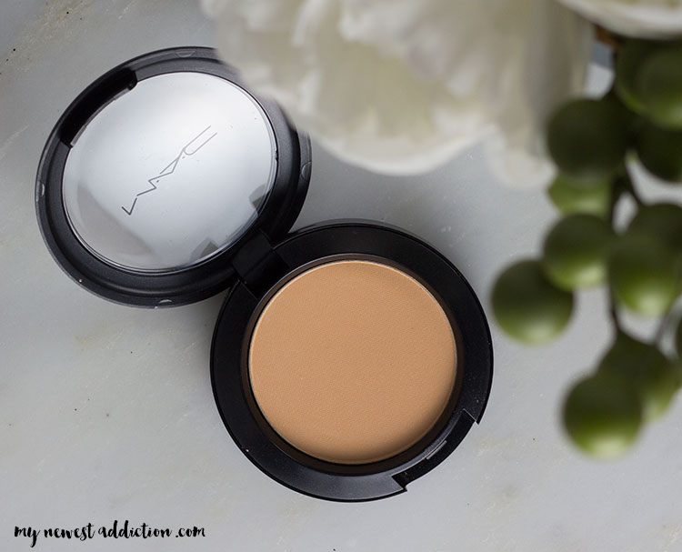 MAC Haute Dog | Soft Focus Sculpting Powder