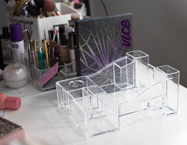 caboodles-crystal-clear-acrylic-storage-empty