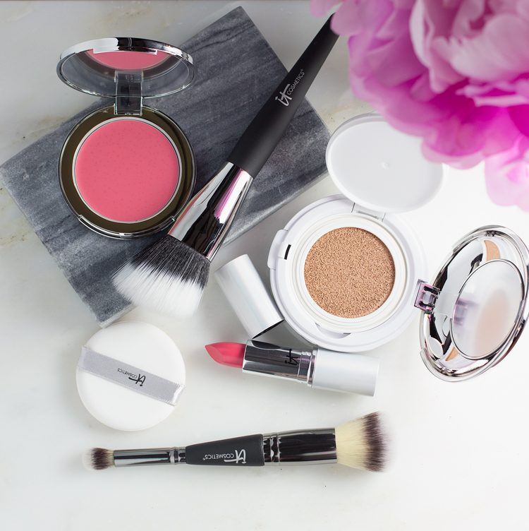 IT COSMETICS NEW YEAR, YOUR MOST BEAUTIFUL SKIN 6-PIECE COLLECTION